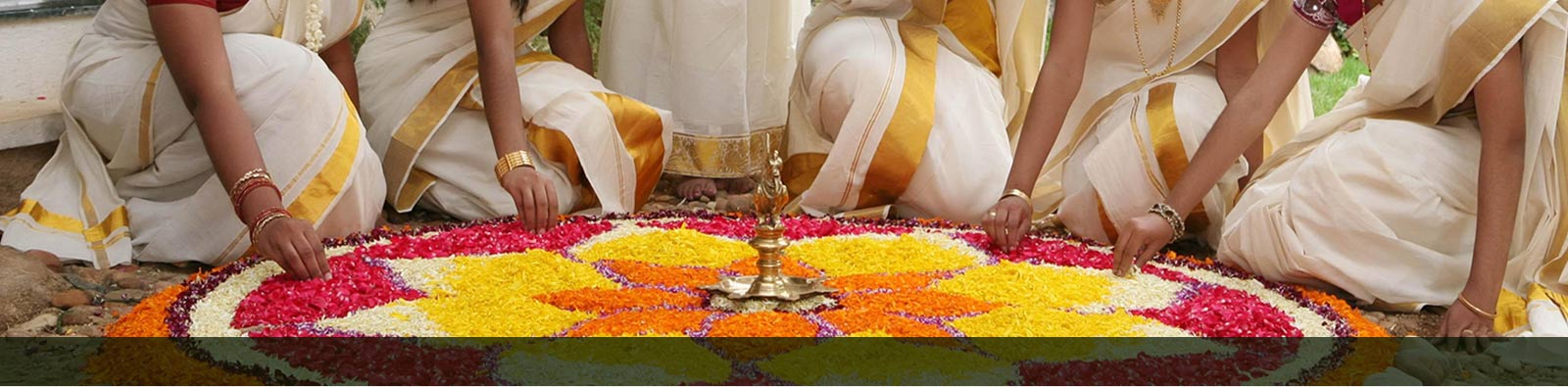onam festival essay Diwali, festival of lights is the major festival in india for the hindus however, there are many others like lord ganesh chaturthi, dusshera, vijayadasami, holi, janmashtami, sri ram navami, onam and all.